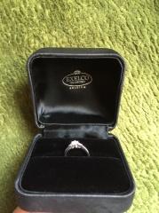 【エクセルコダイヤモンド(EXELCO DIAMOND)の口コミ】 ダイヤモンドの婚約指輪が欲しくて探していました。当初は指輪全体にグルッ…
