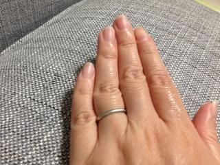 【カルティエ(Cartier)の口コミ】 購入の決め手はつけ心地とデザインでした。結婚指輪は毎日つける物なので、…