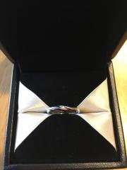 【エクセルコダイヤモンド(EXELCO DIAMOND)の口コミ】 結婚指輪なのでシンプルで毎日つけていても飽きの来ないデザインを探してい…
