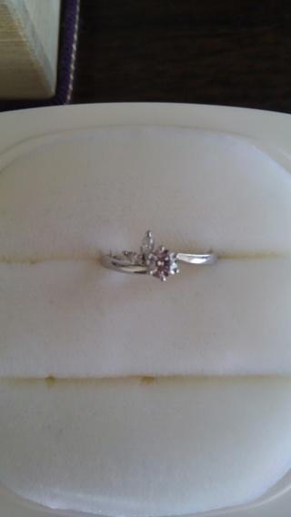 【俄(にわか)の口コミ】 ずっと憧れていた婚約指輪。 只し、どうせ貰うならば自分の好きなデザイン…