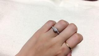 【ショーメ(CHAUMET)の口コミ】 他にはないデザイン。リアンとは絆を表しているようで、ただの一粒ダイヤの…