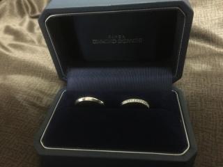 【銀座ダイヤモンドシライシの口コミ】 とにかくデザインが気に入りました。 シンプルなストレートのデザインで、…