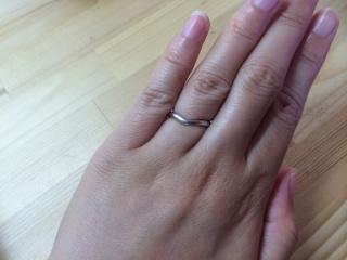 【ティファニー(Tiffany & Co.)の口コミ】 当初は石のついた指輪(一粒かハーフエタニテイ)を希望していましたが、…
