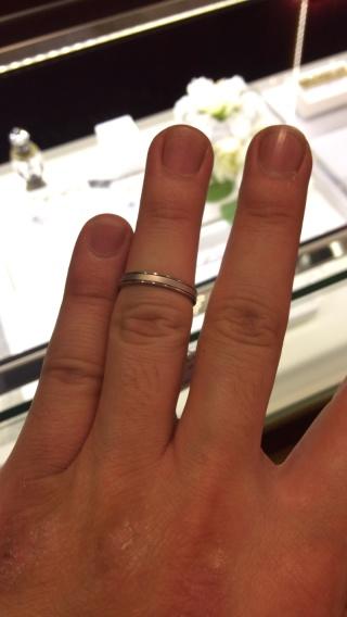 【JEWELRY  KAMATA(ジュエリーかまた)の口コミ】 とてもシンプルでかっこいいリングでした。  表面の仕上げもいろいろ変え…
