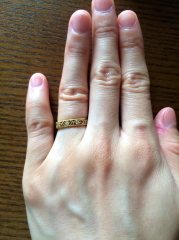 【ケイウノ ブライダル(K.UNO BRIDAL)の口コミ】 はじめはクラシコの指輪が気に入り検討していおですが、担当の方のすすめで…