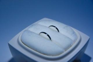 【俄(にわか)の口コミ】 結婚指輪のデザインは、シンプルなものにしようと決めていて、値段帯も15…