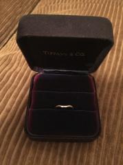 【ティファニー(Tiffany & Co.)の口コミ】 結婚指輪は毎日つけるものなので、シンプルなものを希望しておりました。 …