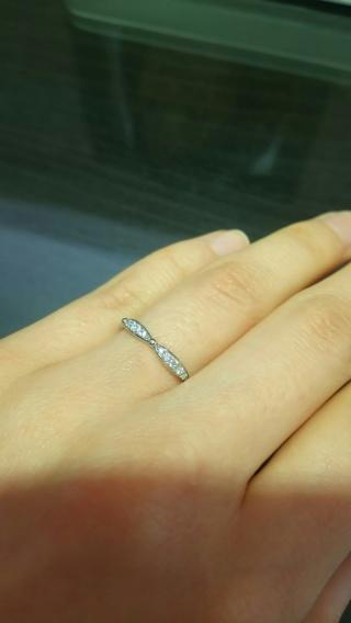 【LUCIE(ルシエ)の口コミ】 たくさん並んだ指輪の中から、まずパッと見のデザインが良かったものを何…