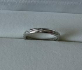 【Time less ones Lovers(タイムレスワンズラバーズ)の口コミ】 小さくてもいいので女性用はダイヤが欲しかったです。 カットが綺麗なので…
