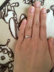【ジュエリーツツミ(JEWELRY TSUTSUMI)の口コミ】 ダイヤの形と大きさ、輝き具合がとても気に入りました。店員さんも高い買…