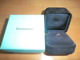 【ティファニー(Tiffany & Co.)の口コミ】 婚約指輪は一生ものなので、あきることのないデザインのティファニーがい…
