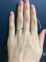 【銀座ダイヤモンドシライシの口コミ】 婚約指輪、結婚指輪をセットでつけやすいものを探していました。他店を見…
