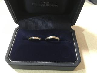 【銀座ダイヤモンドシライシの口コミ】 まず、デザインが素敵でした! シンプルですが、女性の指輪にはダイヤが入…