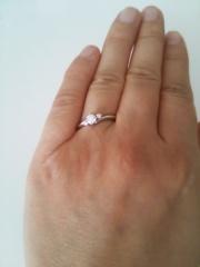 【エクセルコダイヤモンド(EXELCO DIAMOND)の口コミ】 ゼクシィ等の結婚情報誌や、そこから得られた指輪ブランドのホームページで…