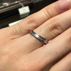 【JEWELRY  KAMATA(ジュエリーかまた)の口コミ】 シンプルなデザインのものを探していたところ、こちらの指輪のデザインが気…
