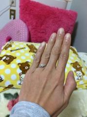 【JEWELRY  KAMATA(ジュエリーかまた)の口コミ】 お付き合いしている男性から、プロポーズの時にサプライズでいただきまし…