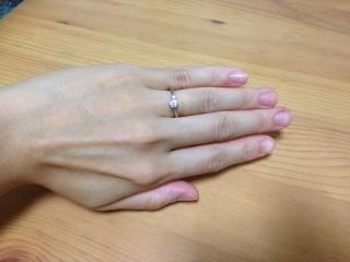 【アンジェリックフォセッテ(Angelique Fossette)の口コミ】 セミオーダーで、石とリングを自分で選んで組み合わせることができる指輪で…