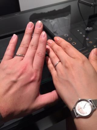 【エクセルコダイヤモンド(EXELCO DIAMOND)の口コミ】 婚約指輪を選びに行ったのですか、そのまま結婚指輪も選ぶ事にしました。お…