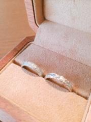 【Makana(マカナ)の口コミ】 私は婚約指輪と結婚指輪は同じでいいと以前から伝えていました。そんな時彼…