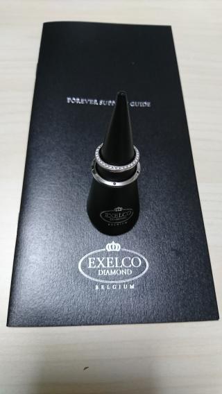 【エクセルコダイヤモンド(EXELCO DIAMOND)の口コミ】 指輪だけではなく、ネックレスとしても利用でき、裏面にもダイヤが一石埋…