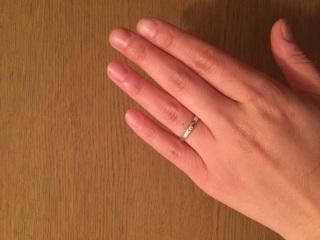【4℃(ヨンドシー)の口コミ】 前々から結婚指輪にはダイヤモンド一石と決めていました。  名前の通りシ…