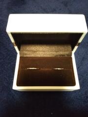 【アイプリモ(I-PRIMO)の口コミ】 初めて指輪を購入するので知識が何もない状態でお店に行きました。結婚指輪…