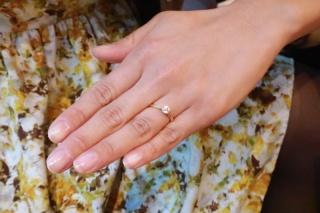 【銀座ダイヤモンドシライシの口コミ】 パーソナルカラーが秋なので、イエローゴールドで検討していました。引っ掛…