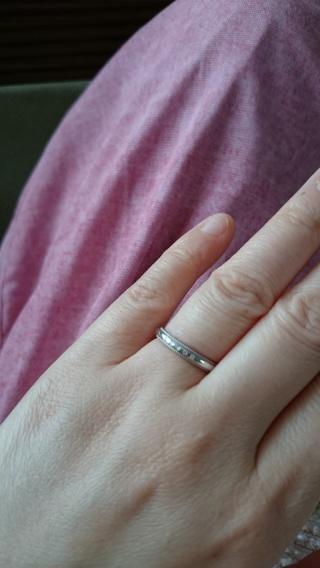 【4℃(ヨンドシー)の口コミ】 永久保証がついていて、ミル打ちデザインと小さなダイヤがついていたのが可…