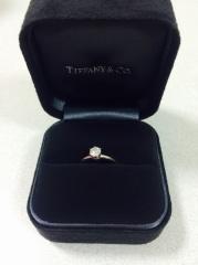 【ティファニー(Tiffany & Co.)の口コミ】 ずっと憧れだったティファニーの指輪がほしくて、形はつめの6つあるこの形…