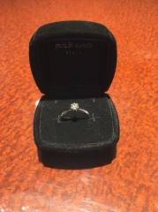 【JEWELRY  KAMATA(ジュエリーかまた)の口コミ】 シンプルなデザインで探してました。 ダイヤモンドだけ他店で購入済みだっ…
