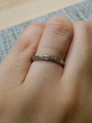 【4℃(ヨンドシー)の口コミ】  なだらかにカーブしたデザインなので、指の短い私でも短い指がごまかせ…