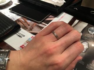 【JEWELRY  KAMATA(ジュエリーかまた)の口コミ】 店頭にたくさんの種類の指輪が置いてあるので、色々見ることができ、イメー…