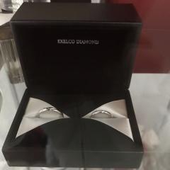 【エクセルコダイヤモンド(EXELCO DIAMOND)の口コミ】 彼がブラックダイヤが入っている指輪がいいということ、私はペアリングでも…