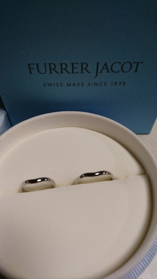 【フラー・ジャコー(FURRER-JACOT)の口コミ】 指輪に少しウェーブの入ったものにしたいと思っていました。 素材はプラチ…