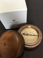 【COLANY(コラニー)の口コミ】 質感や着け心地が気持ちよく、とても着けやすいこと。婚約指輪との重ね付…