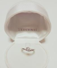 【TRECENTI(トレセンテ)の口コミ】 式場探しの為、ゼクシィナビカウンターへ伺った際に色んなブランドの指輪…