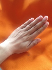 【ケイウノ ブライダル(K.UNO BRIDAL)の口コミ】 シンプルだけど表にマット感がある指輪が欲しくて探し、ケイウノにいきつき…