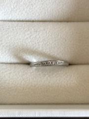 【アンジェリックフォセッテ(Angelique Fossette)の口コミ】 たくさんのブランドから選んでこの指輪にしました。 少しねじれたデザイン…