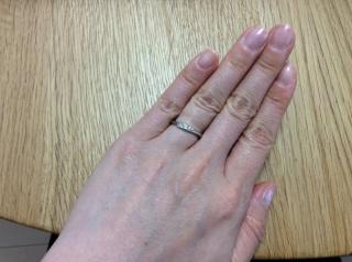 【スタージュエリー(STAR JEWELRY)の口コミ】 別ブランドで購入した婚約指輪と重ね付けしてぴったりなものを探していま…