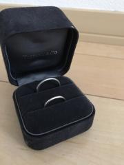 【ティファニー(Tiffany & Co.)の口コミ】 ダイアが付いたものやピンクゴールドの指輪と色々と迷いました。 指が太い…