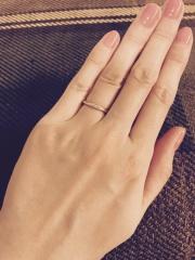 【AbHeri(アベリ)の口コミ】 デザインがとても気に入りました。 新郎の方のリングに新婦の方のダイヤモ…