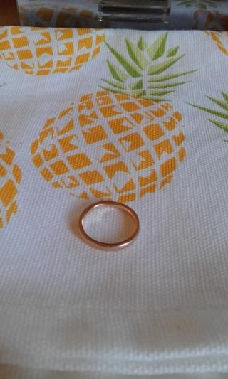 【4℃(ヨンドシー)の口コミ】 婚約指輪を見つけた時に一緒に見つけました。婚約指輪として購入した物は…