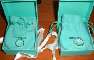 【ティファニー(Tiffany & Co.)の口コミ】 結婚指輪はブランドものが良いが、とにかくシンプルで使いやすいものを、…