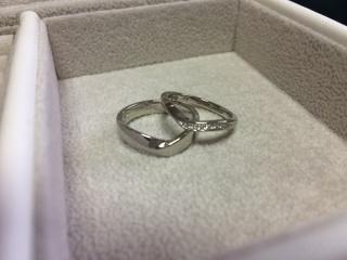 【JEWELRY  KAMATA(ジュエリーかまた)の口コミ】 最初は特にデザインなどの希望を考えずに来店しましたが、結婚指輪は普段…