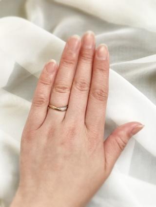 【LAPAGE(ラパージュ)の口コミ】 婚約指輪を購入していないので、シンプルなものよりもデザイン性のあるも…