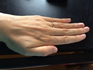 【ティファニー(Tiffany & Co.)の口コミ】 結婚指輪は普段使いなので、仕事でも邪魔にならないようなものが希望でした…