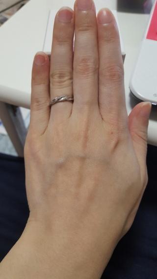 【MILK&Strawberry(ミルクアンドストロベリー)の口コミ】 婚約指輪を購入した際、 セットで展示されているものを見て とっても可愛…