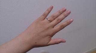 【ティファニー(Tiffany & Co.)の口コミ】 指輪をつける習慣がなく、指に何かをはめている感覚が苦手だったので、つ…