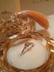 【アイプリモ(I-PRIMO)の口コミ】 婚約指輪だけは彼に選んでもらいたい、という変なこだわりがあって、一人で…