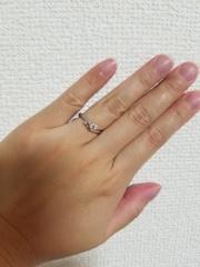 【アイプリモ(I-PRIMO)の口コミ】 特に決め手になったのはデザインです。私の婚約指輪のイメージはシンプル…